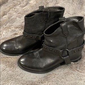 NEW Enzo Angiolini stud boots